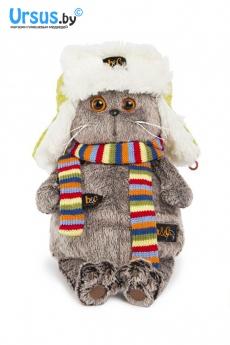 Басик в зимней шапке